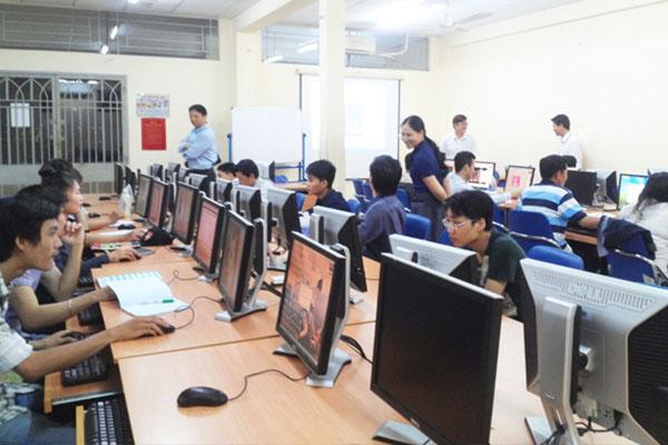 Lớp học CBS tại ĐH Bách Khoa HCM