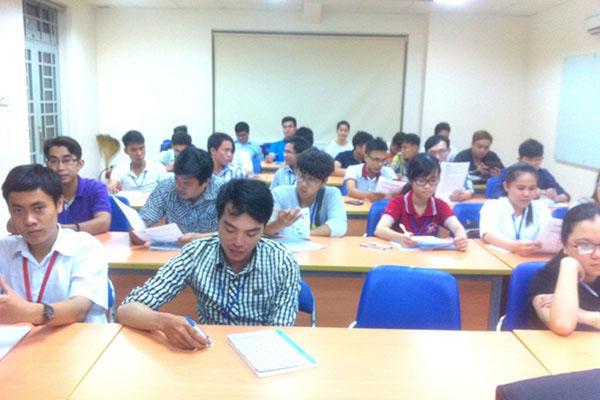 Buổi học đầu tiên lớp khai giảng tháng 4 lịch học 357