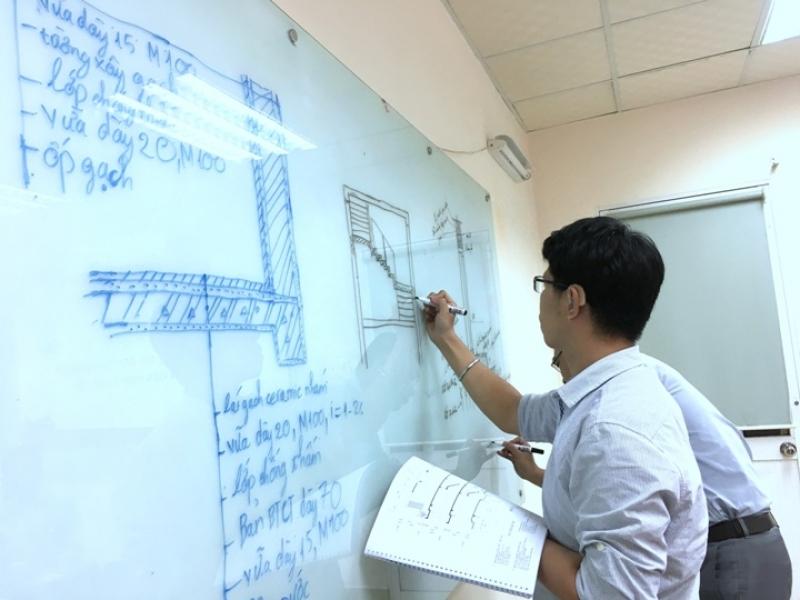 Bảo vệ đồ án tốt nghiệp lớp Họa viên kiến trúc